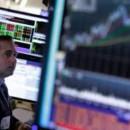 Индексы Dow Jones и S&P 500 по итогам года впервые за несколько лет закрылись в минусе