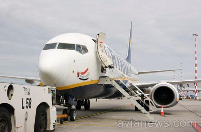Ryanair перенес открытие рейсов Львов-Берлин на два месяца