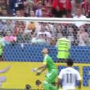 Лучшему вратарю России забили унизительный гол «за шиворот» (видео)