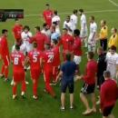 Российские футболисты устроили грандиозную драку во время матча