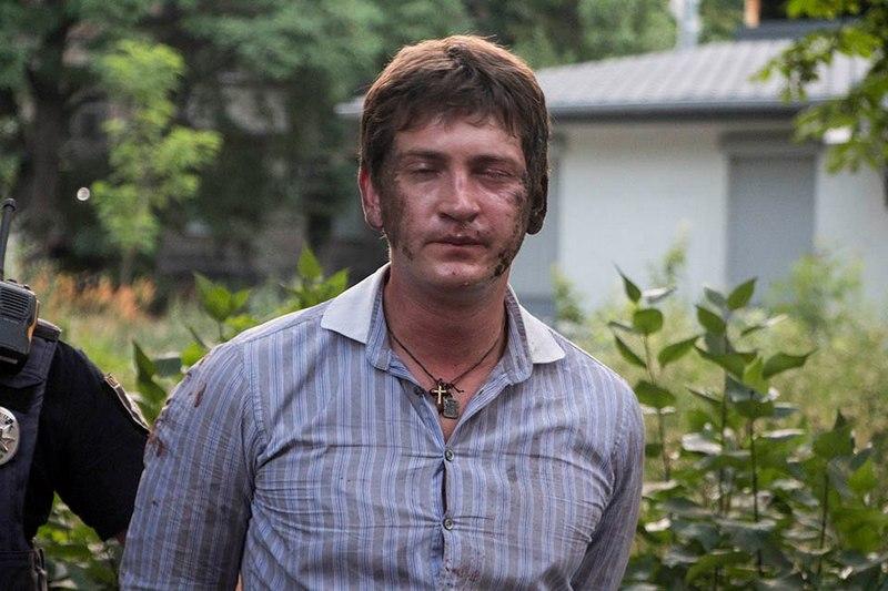 Пьяный мужчина с удостоверением ВР устроил аварию и сопротивлялся полиции
