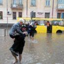 На выходных Украину накроют штормы