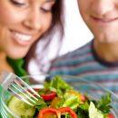 Почему нельзя есть огурцы и помидоры в одном салате