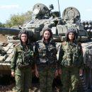 Сеть насмешил набор девушек в «танковый взвод» «ДНР»