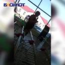 Курьезное видео: Неадекватная россиянка распугала покупателей супермаркета