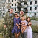 В соцсетях высмеяли фото главаря боевиков Захарченко с семьей