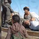 Первые кадры, на которых террористы ИГИЛ захватывают в плен российских наемников