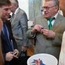 Сеть развеселила «госизмена» Жириновского в посольстве США
