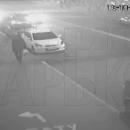 Опубликованы кадры, как пара смогла чудом спастись от «Лексуса» в Харькове (видео)
