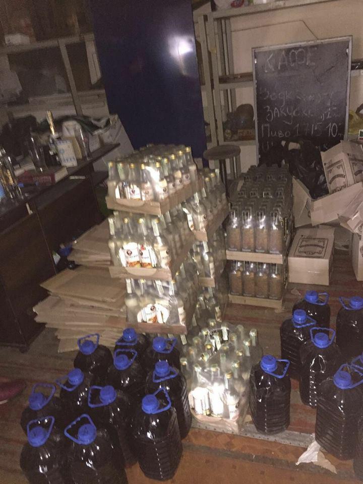 В Киеве изъяли больше 26 тысяч тонн поддельного алкоголя