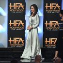 Анджелина Джоли восхитила эффектным нарядом на красной дорожке