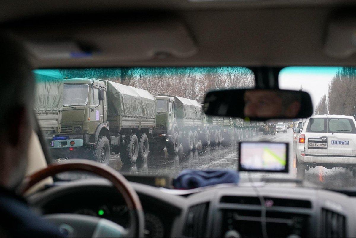 ОБСЄ показала військову колону, що увійшла до окупованого Луганська