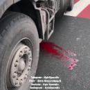 В Киеве грузовик сбил женщину прямо на «зебре»