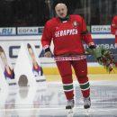 Президента Беларуси удалили с поля за нарушение