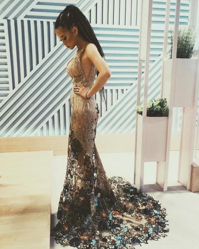 Мария Яремчук показала идеальную фигуру в шикарном платье