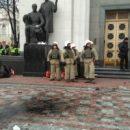 Во время беспорядков под Радой пострадали правоохранители