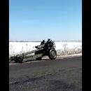 Российские военные потеряли пушку посреди поля