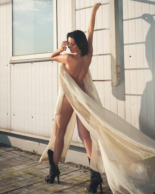 Похудевшая Астафьева в прозрачном платье поразила фанатов