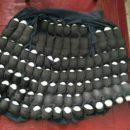 Работник украинской птицефермы придумал забавный способ воровать яйца
