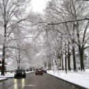 Для поврежденных дорог: В Москве начали шампунем отмывать тротуары после зимы