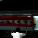 В Индии неуправляемый поезд с пассажирами ехал 12 км задним ходом (видео)