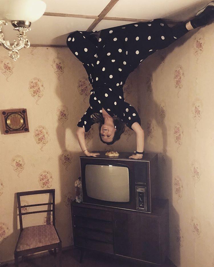 Фото з унітазом: Могилевська насмішила шанувальників незвичайними знімками