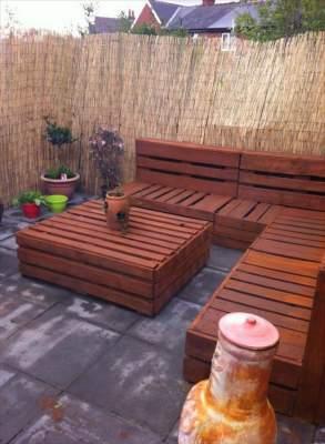 Как обустроить дачный участок при помощи обычных деревянных поддонов (фото)
