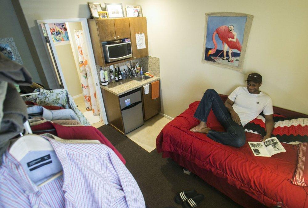 Жизнь в трущобах: показали необычные условия жизни в микроквартирах (фото)