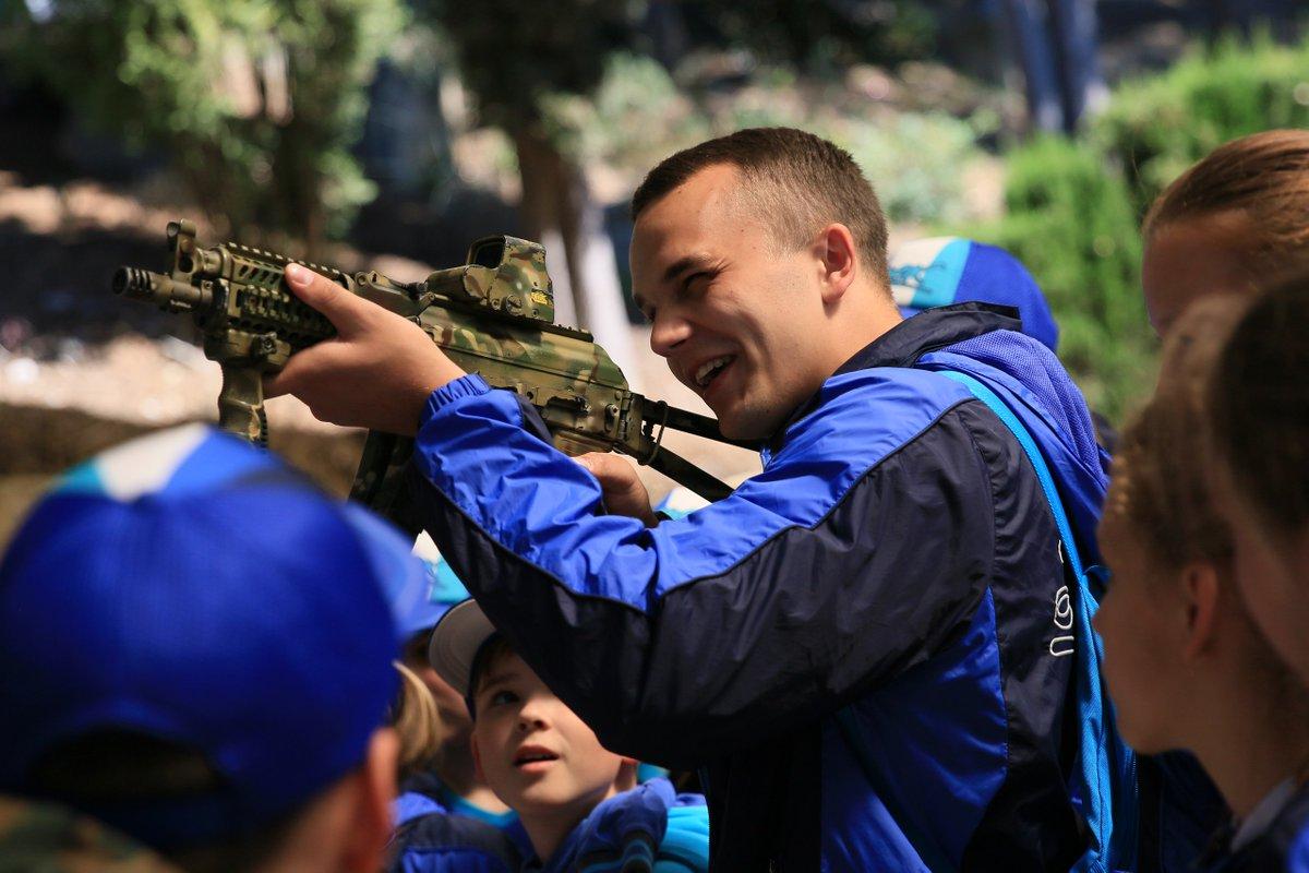 Мастер-класс «боевые буряты»: сеть возмутили фото из популярного лагеря в Крыму