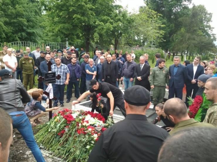На похоронах Мамая засветились «первые лица ДНР» и убийца Моторолы (фото)