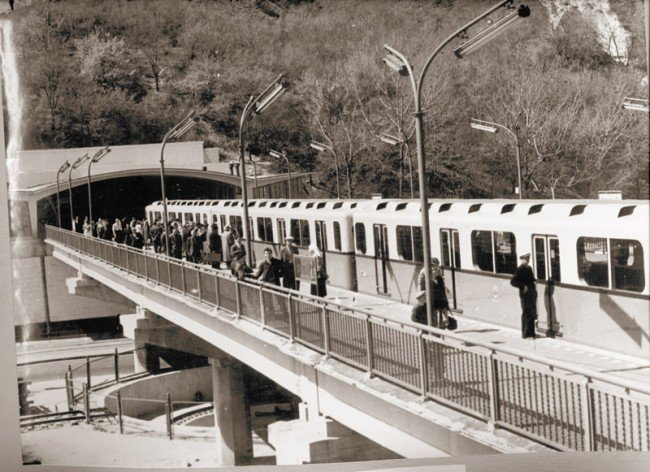 Показали редкие кадры строительства и развития метро в Киеве (фото)