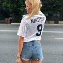 Леся Никитюк сфоткалась в коротких шортах