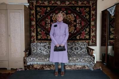 Сеть восхитила стильная бабушка из Беларуси