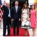 Гламурна Меланія Трамп у сукні від Valentino затьмарила іспанську королеву