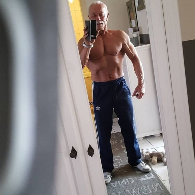 74-летний бодибилдер, который даст фору любому молодому парню (Фото)
