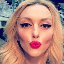 Оля Полякова без макияжа вызвала спор в сети