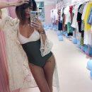Надя Дорофеева впечатлила поклонников ретро-купальником