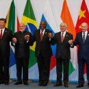 «У всех ноги как ноги»: Путин снова рассмешил Сеть своими штанами