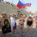 Воруют даже картины: Выходки российских туристов в Крыму рассмешили Сеть