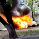 Первые минуты после взрыва микроавтобуса в Каменском (видео)