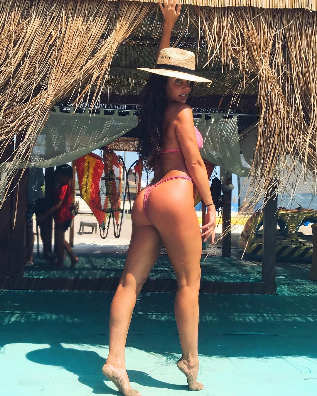 Анна Седокова блеснула телом на пляже в Турции