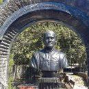 В Севастополе появился надгробный памятник сыну Януковича (видео)