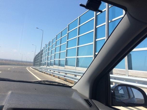 Не пользуется популярностью: в сети показали новые фото путинского моста в Крым
