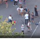 В Харькове дети прыгали через пьяную школьницу, которая лежала на асфальте