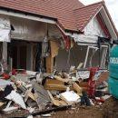 В Великобритании обманутый строитель разрушил возведенные им дома