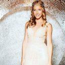 Катя Осадчая примерила роскошном платье