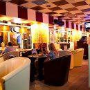 В Киеве нашли кафе с голыми официантками (видео)