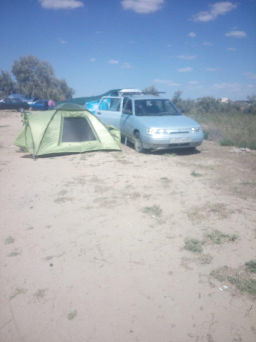 Эконом-вариант: в сети показали фото, как россияне отдыхают на курорте в Крыму
