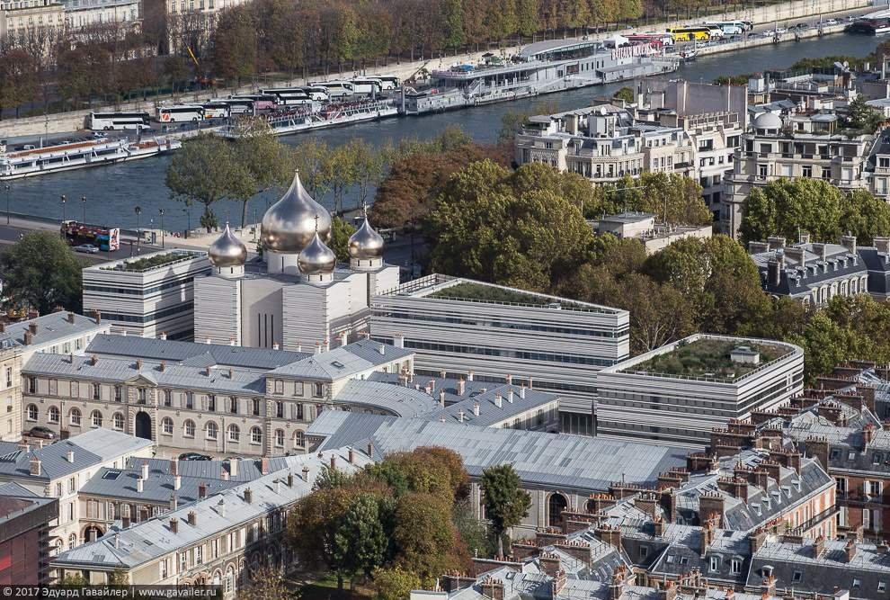 Эйфелева башня и вид с ее смотровой площадки (фото)