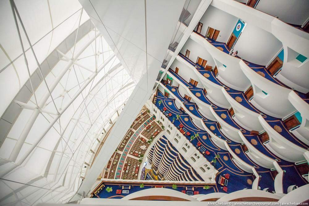 Как выглядит номер-люкс в самом известном отеле Дубая (фото)